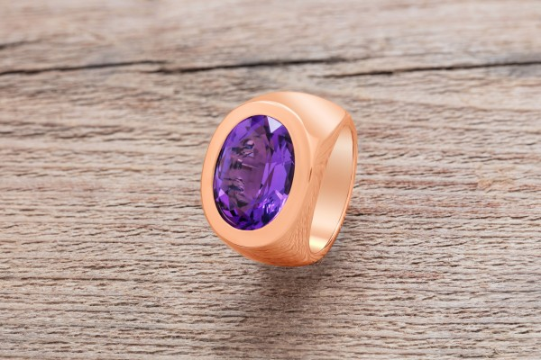 Ring 'Supreme' aus Rotgold mit violettem Amethyst